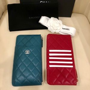 CHANEL Phone / Wallet Case